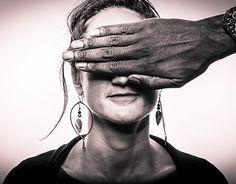 """Check out new work on my @Behance portfolio: """"Jeux de mains"""" http://be.net/gallery/44963323/Jeux-de-mains"""