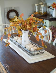 5 Simple Tips for Styling Beautiful Fall Baskets Fall Dining Table, Dining Room Table Centerpieces, Table Decorations, Decorating Coffee Tables, Fall Decorating, Coffee Table Runner, Sideboard Decor, Autumn Coffee, Decorating With Pictures