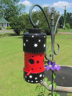 PVC BIRDHOUSE - the plans aren't included but you can figure it out for yourself. How easy and super CUTE!
