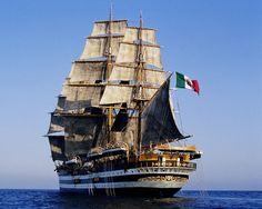 La nave scuola Vespucci ha 85 anni, fu varata il 22 febbraio 1931