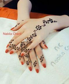 The Most Prettiest Floral Mehndi Design Pretty Henna Designs, Henna Designs Feet, Henna Tattoo Designs Simple, Finger Henna Designs, Mehndi Designs For Girls, Mehndi Design Photos, Unique Mehndi Designs, Mehndi Designs For Fingers, Mehndi Simple