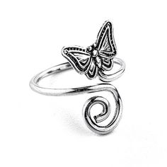 Get inspired by nature with our butterfly toe ring in sterling silver.