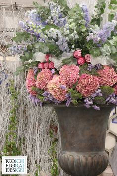 Gorgeous large flower pot centerpiece for #ceremony or entry to reception