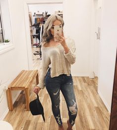 sweater and ripped jeans outfit Cute Fall Outfits, Fall Winter Outfits, Simple Outfits, Pretty Outfits, Autumn Winter Fashion, Casual Outfits, Basic Outfits, Latest Outfits, Mode Outfits