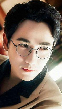 Asian Actors, Korean Actors, Shen Wei, Dragon City, Asian Cute, Handsome Boys, Beautiful Boys, Japanese Art, Photo Art