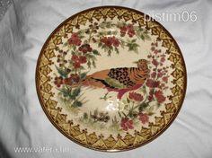 Zsolnai porcelán tányér 40500- Vatera.hu Gourds, Decorative Plates, Tableware, Home Decor, Pumpkins, Dinnerware, Decoration Home, Room Decor, Tablewares