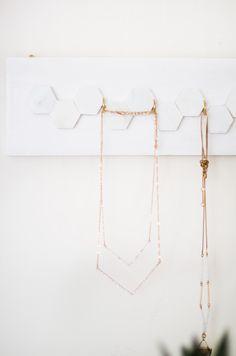 Ravishing Expensive jewelry aesthetic,Jewelry earrings jewlery and Cute jewelry for prom. Diy Jewellery Dish, Diy Jewelry Hanger, Leaf Jewelry, Jewelry Stand, Dainty Jewelry, Jewelry Holder, Jewellery Display, Wire Jewelry, Boho Jewelry