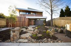 Magnificent Australian garden in Brighton from landscape designer Phillip Johnson (for the colours) Landscaping With Rocks, Modern Landscaping, Front Yard Landscaping, Landscaping Software, Landscaping Ideas, Australian Garden Design, Australian Native Garden, Modern Front Yard, Front Yard Design
