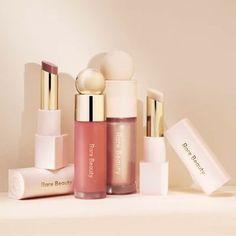 Maquillage Selena Gomez, Selena Gomez Makeup, Melt Cosmetics, Makeup Cosmetics, Makeup Set, Beauty Makeup, Beauty Care, Burgundy Makeup Look, Lotus
