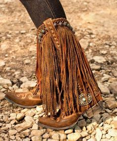 Pin by boho vintage outfits on trending outfits in 2019 сумки с бахромой, с Fringe Cowboy Boots, Cowgirl Boots, Western Boots, Fringe Moccasin Boots, Western Riding, Gypsy Cowgirl, Riding Boots, Heeled Boots, Bootie Boots