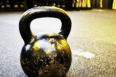 Kettlebell Exercises - Include In The Daily Fitness Regime? - ForeSport Kettlebell Training, Kettlebell Cardio, Trx, Plyometrics, Weight Lifting Workouts, Fun Workouts, At Home Workouts, Workout Routines, Body Workouts