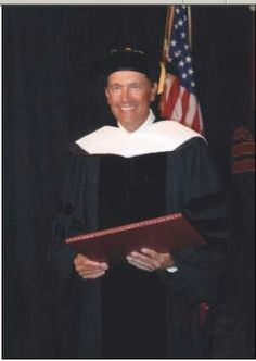 George Strait in Southwest Texas State University, May 2006