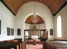 File: Leikanger Church, interior to the east, AMH 2011.jpg