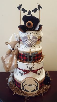 💖Bassinet Diaper Cake for a Baby Shower How to Video Tutorial – Tips For Baby Showers Baby Shower Decorations For Boys, Boy Baby Shower Themes, Baby Shower Fun, Baby Shower Centerpieces, Baby Shower Gifts, Baby Gifts, Diaper Cake Boy, Baby Boy Cakes, Diaper Cakes