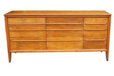 Mediados de siglo modernos de madera 9 cajones por BuyFoundObjects