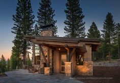 Architecture – Enjoy the Great Outdoors! Mountain Home Exterior, Modern Mountain Home, Mountain Homes, Construction Images, Guest Cabin, Log Cabin Homes, Log Cabins, Cabins In The Woods, House Design