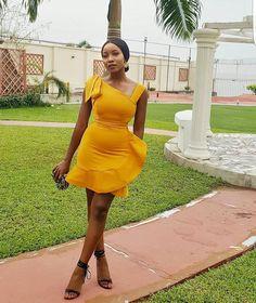 70 Stylish Wedding Guest Dresses That Are Sure To Impress - Wedding Digest Naija Classy Work Outfits, Classy Dress, Chic Outfits, Dress Outfits, Fashion Outfits, Short African Dresses, Latest African Fashion Dresses, African Print Fashion, Short Dresses