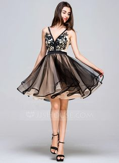 A-Line/Princess V-neck Short/Mini Tulle Homecoming Dress With Lace (022068058)