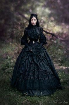 Civil war era / goth dress - The Steampunk Empire
