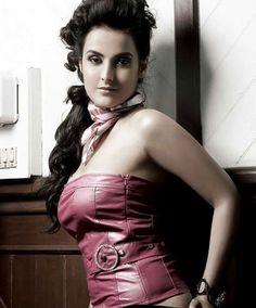 Download Actress Tulip Joshi Photos