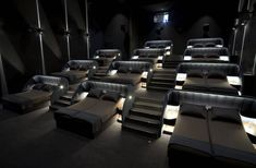 In Switzerland, a cinema opens double beds to make you feel at home Home Theater Room Design, Home Cinema Room, Home Theaters, Home Cinemas, Bed Cinema, Movie Theater Chairs, Bedroom Screens, Double Beds, House Rooms