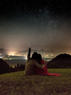 Go stargazing cute relationships, perfect relationship, relationship goals, dream dates, teen dating Second Date Ideas, Cute Date Ideas, Couple Ideas Date, Cute Relationship Goals, Cute Relationships, Dream Dates, Haus Am See, Fotos Goals, Movie Dates