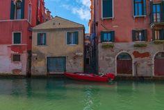Red boat, Venice. by Iryna Soltyska on 500px
