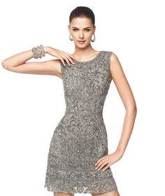 Kurzes ärmelloses Kleid in Grau, Modell Nea - Pronovias 2015