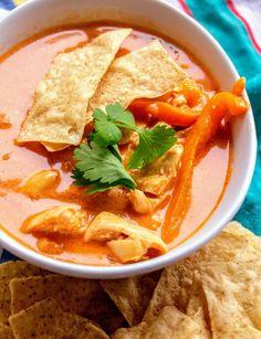 Applebee's Chicken Tortilla Soup 4 SmartPoints 2020 Copycat Recipes, Gourmet Recipes, Soup Recipes, Milk Recipes, Recipies, Stuffed Jalapeno Peppers, Stuffed Green Peppers, Quick Healthy Meals, Healthy Recipes