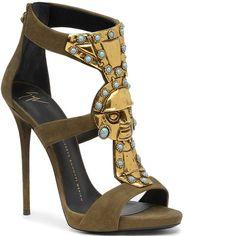Atención fashionistas: estos son los zapatos de la Niña Loly - Los Andes Diario