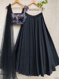 Indian Gowns Dresses, Indian Fashion Dresses, Indian Designer Outfits, Designer Dresses, Floral Skirt Outfits, Black Skirt Outfits, Floral Blouse, Floral Bustier, Black Bustier