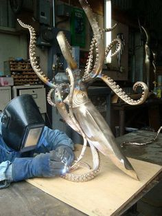Rewarding halved awesome metal welding projects Respond by Metal Sculpture Artists, Steel Sculpture, Bronze Sculpture, Sculpture Ideas, Art Sculptures, Welding Art Projects, Metal Projects, Blacksmith Projects, Diy Projects