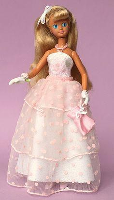 Teen Sweetheart Skipper® Doll 1987 my favorite skipper doll! Barbie Skipper, Barbie And Ken, Barbie Sisters, Childhood Toys, Childhood Memories, Barbie Accessories, Doll Costume, Vintage Barbie Dolls, Barbie Collector