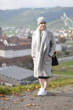 Winter outfit inspiration: chic & cozy sweater coat, embellished toque & Adidas Stan Smiths