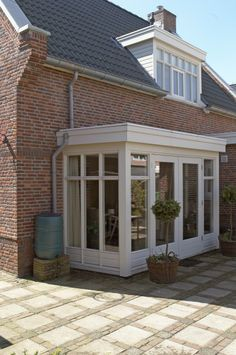 You are in the right place about sunroom addition entrance Here we offer you the most beautiful pict House Extension Design, Glass Extension, House Design, Garden Room Extensions, House Extensions, Sas Entree, Glass Porch, Porch Enclosures, Sunroom Addition