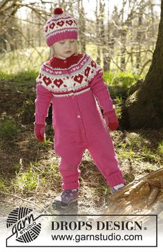 Knitted DROPS suit worked top down with multi-colored pattern and round yoke in Merino Extra Fine. Size 1 - 6 years Free pattern by DROPS Design.