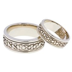 18 carat. The Celtic Knot with its interwoven, endless pattern was displayed in illuminated manuscripts such as the Book of Kells. For many, this Celtic symbol represents the eternity of life and love. #celtic #weddingring