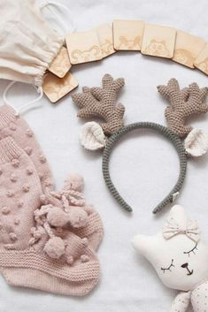 So many pretty baby stuff by including our dusty pink bubble baby footies and our antlers. Knitted Booties, Pink Bubbles, Kids Fashion Boy, Baby Socks, Pretty Baby, Dusty Pink, Antlers, Burlap Wreath, Sustainable Fashion