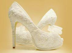Sapato de noiva rendado, delicadeza total   Melhor Amiga