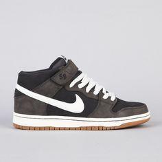 free shipping b510c 9cb07 Nike SB Dunk Mid Pro Midnight Fog