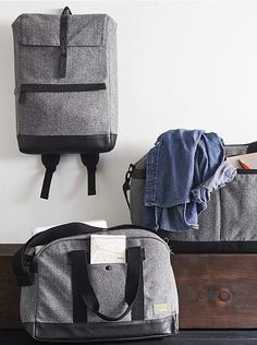tweed duffel bags - prefect for travel  http://rstyle.me/n/tfj4ipdpe