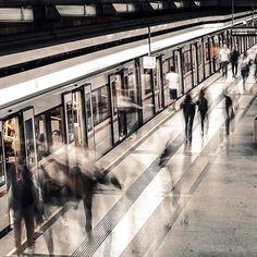 @shootcamp posted to Instagram: ghost riders by @stani_film . Du möchtest auch gefeatured werden? Benutze unseren Hashtag #shootcamp. Wir freuen uns auf eure atemberaubenden Bilder! . #streetizm #streetmobs #streets_vision#visualgrams #visualmobs#artofvisuals #way2ill #illgrammers#all2epic #citygrammers #clickcity#ig_street #cityunit #theimaged#thelensbible #trappingtones#agameof10k #dof_addicts#justgoshoot #shoot2kill #shootcamp#vienna #wien #rawurbanshots#urbanscene… Instagram, Movie