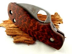 Spyderco Squeak with custom make snakewood scales and stonewashed hardware. custom scale division - proudly made in Germany