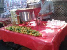 Street Food In Mumbai! Some Body, Street Food, Mumbai, Juice, Lemon, India, Goa India, Bombay Cat, Juices