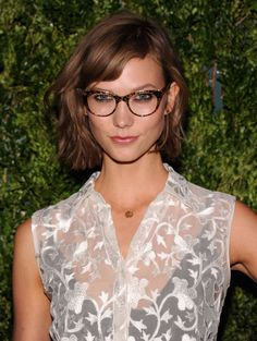 """Karlie Kloss Haircut Of The Year 2013 """"Ask for """"a classic bob that's even in one length all the way around the neck, but with long, soft layers"""" and Gorgeous Blouse ! Bangs And Glasses, Hairstyles With Glasses, Eye Glasses, Glasses Style, Modern Bob Hairstyles, Messy Bob Hairstyles, Karlie Kloss Haircut, Hair Images, Hairstyle Images"""