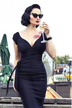 This is the perfect Little Black Dress for the hourglass figure, wish bone neckline, wrap waist and pencil bottom to hug all the right places | How to Dress if You Have an Hourglass Figure.