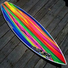 by @waynemckewen_shaper for @mtwoodgeesurfboards with art by @willynicholls_artist for @jed.laxo #waynemckewenshaper #mtwoodgeesurfboards #willynichollsartist #surfart #boardart #surfboard