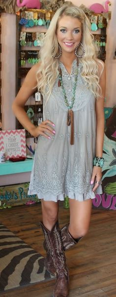 66 ideas for cowgirl boats outfit summer country girl dresses shoes Country Girl Outfits, Country Fashion, Country Girls, Country Dresses, Country Concert Outfit Summer, Country Western Outfits, Country Concerts, Top Country, Western Dresses