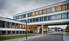 AD Classics: Dessau Bauhaus,© Thomas Lewandovski