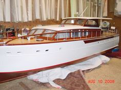 Chris Craft model Boat Another genuine classic: a real beauty!